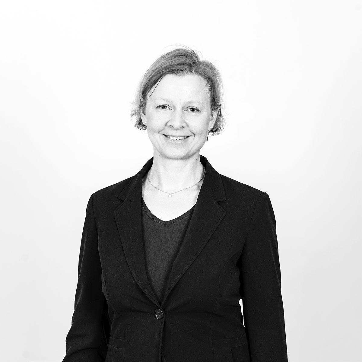Dr. Anne-Kristin Borszik