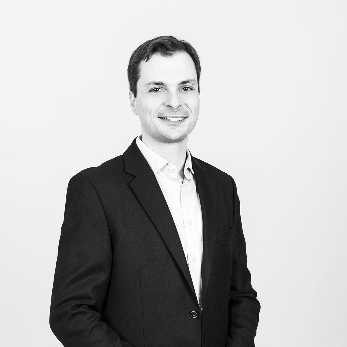 Dr. Stefan Handke
